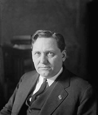 Smith W. Brookhart - Image: Sen. Smith W. Brookhart, (3 3 24) LOC npcc.10686 (cropped)
