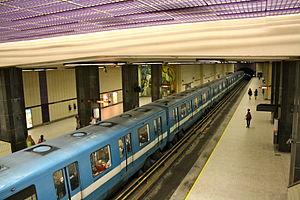Sherbrooke station - Image: Sherbrooke Metro