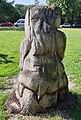 Skulptur Alt-Lietzow (Charl) Bärenfigur mit Adler&20003.jpg