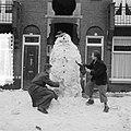 Sneeuwpop met strohoed, Bestanddeelnr 905-0290.jpg