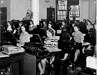 Keypunch - Keypunch operators at work at the U.S. Social Security Administration in the 1940s
