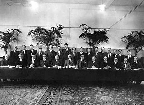 Solvay conference 1954 g.jpg