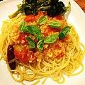 Spaghetti with a simple cherry tomato sauce and roasted broccoli プチトマトソースのスパゲッティ、ローストブロッコリー添え.jpg