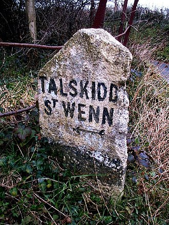 Talskiddy - Granite guidestone between St Wenn and Talskiddy