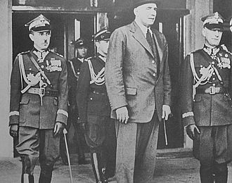 Edmund Ironside, 1st Baron Ironside - Ironside (centre) with Polish Chief of Staff General Wacław Stachiewicz (left)