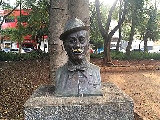 Statue of Adoniran Barbosa