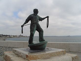 Tolcarne - The fisherman statue at Tolcarne, Newlyn