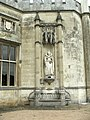 Statue of Queen Elizabeth I at Ashridge, Hertfordshire - geograph.org.uk - 228237.jpg