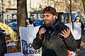 Stefan Gelbhaar (MdB, Die Grünen) spricht bei der Kundgebung der Anwohner*innen zur Schließung von TXL (50580787972).jpg