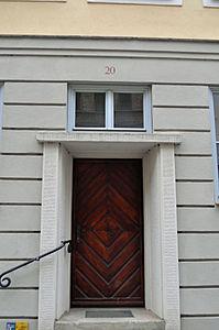 Stralsund, Fährstraße 20, Tür (2012-03-11), by Klugschnacker in Wikipedia.jpg