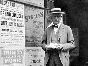 Le bourgeois gentilhomme (Strauss) - Strauss in London, June 1914 after receiving his honorary Doctorate from Oxford University