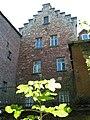 Stufengiebel des Nordflügels (Baukomplex der Karlsmühle) - panoramio.jpg