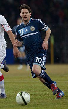 Suisse vs Argentine - Granit Xhaka & Lionel Messi - b.jpg