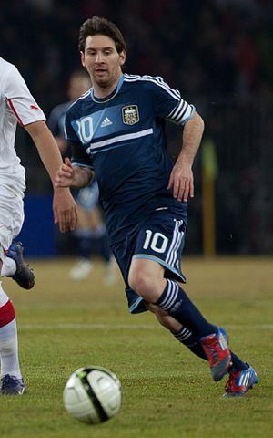 2013 FIFA Ballon d'Or - Image: Suisse vs Argentine Granit Xhaka & Lionel Messi b