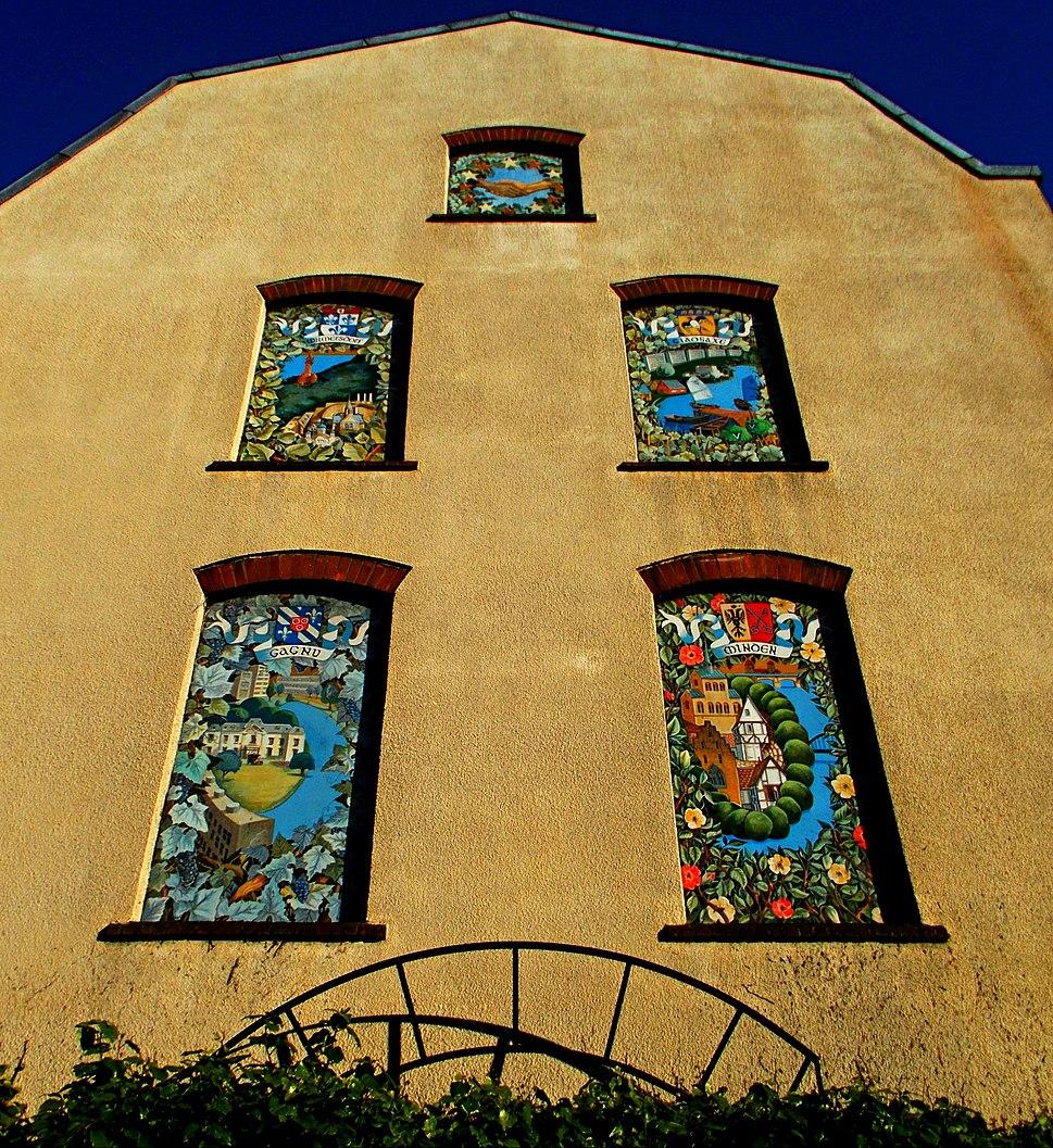 Sutton twin towns mural sunlit in June, SUTTON, Surrey, Greater London (2)