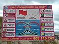 Tablica ostrzegawcza i informacyjna na plaży w Ustce - sierpień 2017.jpg