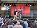 Tag des offenen Kraftwerks (2013), 0976c04e Vorstandsvorsitzender Michael G. Feist wird vor Publikum auf der Bühne von Desimo interviewt.jpg