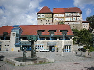 Talheim, Heilbronn - Image: Talheim rathausplatz o burg 2