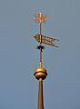Tallinna Pühavaimu kirikutorni muna ja tuulelipp.jpg