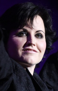 The Cranberries (6856962706) (cropped 2).jpg