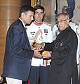 The President, Shri Pranab Mukherjee presenting the Padma Bhushan Award to Shri Rahul Dravid, at an Investiture Ceremony, at Rashtrapati Bhavan, in New Delhi on April 05, 2013.jpg