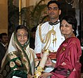 The President, Smt. Pratibha Devisingh Patil presenting the Padma Bhushan Award to Prof. Vidya Dehejia, at an Investiture Ceremony I, at Rashtrapati Bhavan, in New Delhi on March 22, 2012.jpg