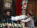 The Speaker, West Bengal Legislative Assembly, Shri Biman Bandyopadhyay presenting a memento to the President, Shri Pranab Mukherjee.jpg