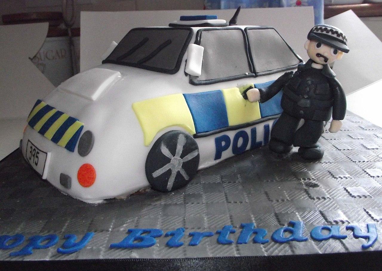 Filethe Ultimate Model Police Car Cake 6278299418g