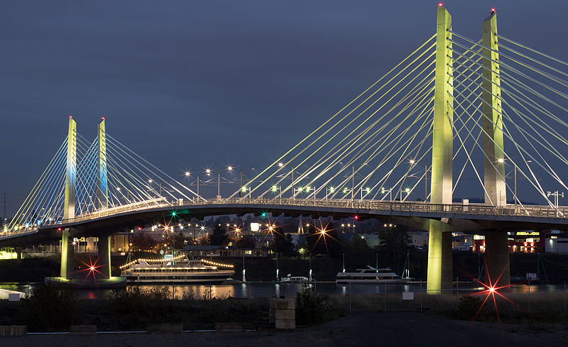 File:Tilikum Crossing at night Nov 2015.jpg