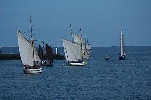 Tonnerres de Brest 2012 - 120715-116 parade nocturne.jpg