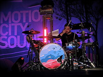 Motion City Soundtrack - Drummer Tony Thaxton performing with the band in 2007.