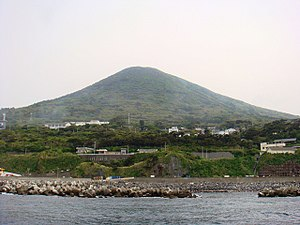 To-shima, Tokyo - Image: Toshima Island from offshore, Tokyo, Japan