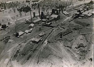 Tsumeb - Tsumeb open cast pit, buildings and railway about 1931