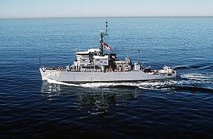 USS Excel (MSO-439) underway off San Diego, California (USA), on 14 December 1985 (6409696).jpg