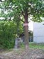 U Zahradního města, křížek u školy.jpg