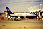 United 737-200 at ORD (28620232815).jpg
