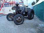 Ursus Traktor mit Glühkopfmotor.JPG