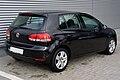 VW Golf VI 1.6 Comfortline Deep Black Heck.JPG