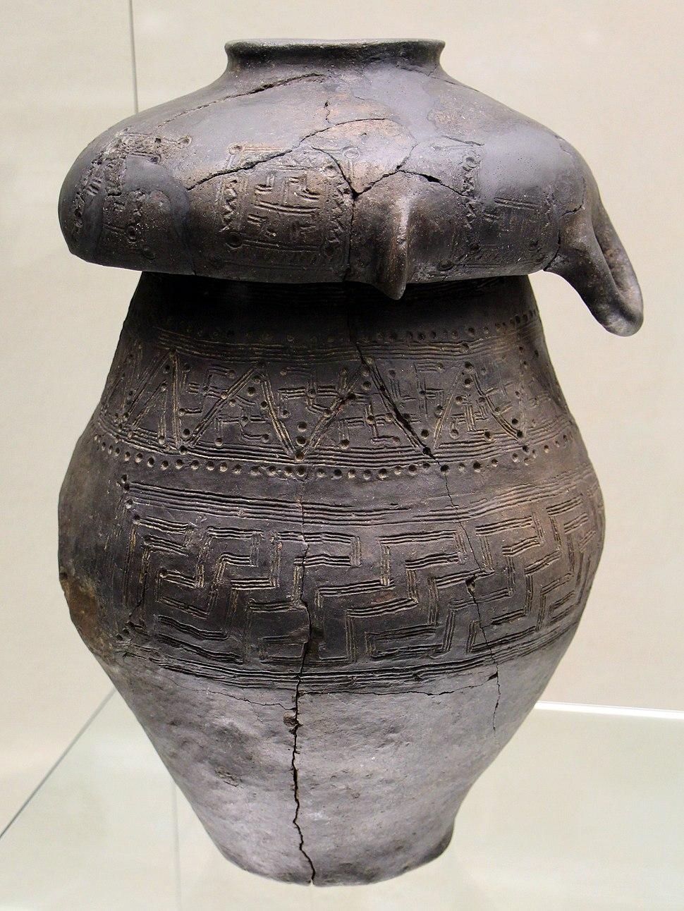 Vaso biconico da chiusi, poggio renzo, IX-VIII sec. ac.