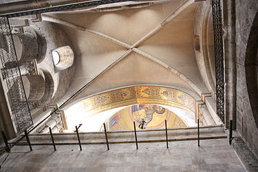 Vault outside Catholicon, Holy Sepulchre 2010 3.jpg
