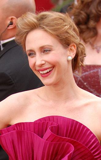 Vera Farmiga - Image: Vera Farmiga @ 2010 Academy Awards crop