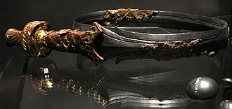 The original curved iron sword from the Vorstengraf (Oss), Rijksmuseum van Oudheden. Verbogen Keltische zwaard.jpg