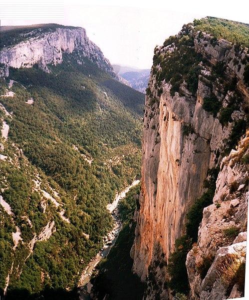 File:Verdon-cliff-eperon-Sublime-vude-Trescaire.jpg