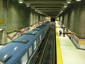 Verdun station - Image: Verdun metro station