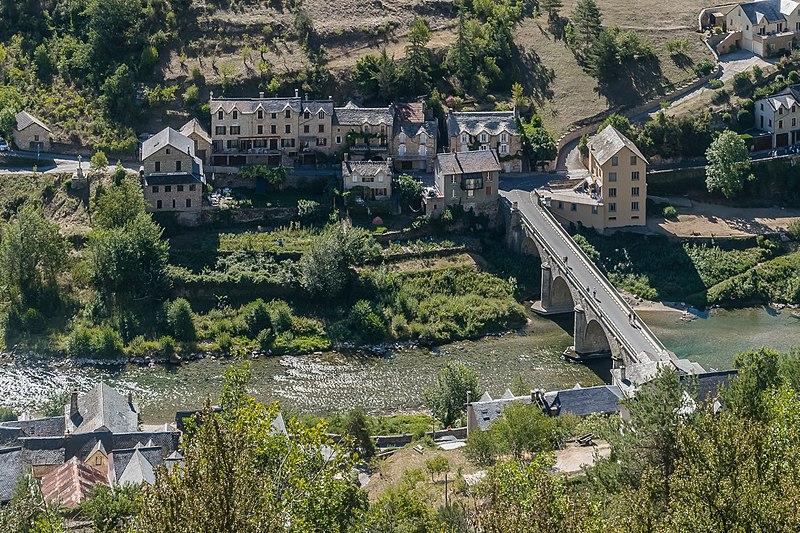 File:View of Les Vignes 02.jpg
