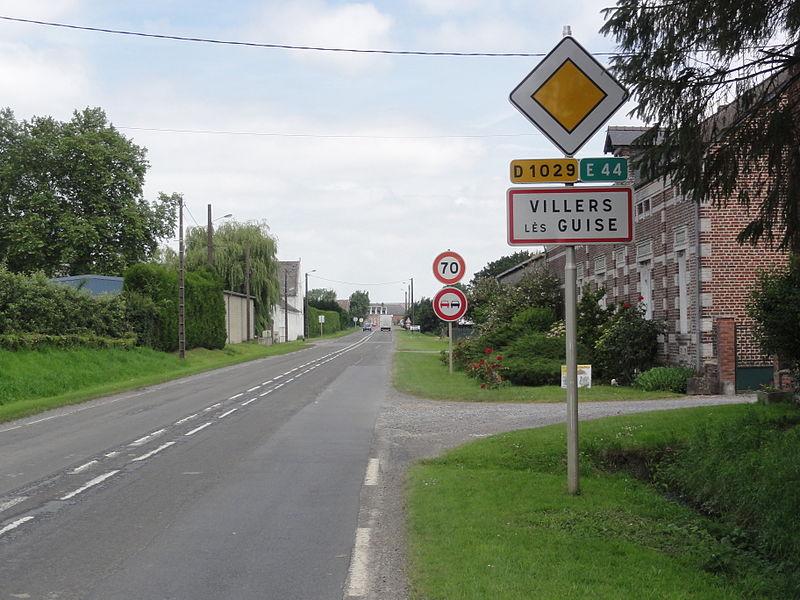 Villes-lès-Guise (Aisne) city limit sign