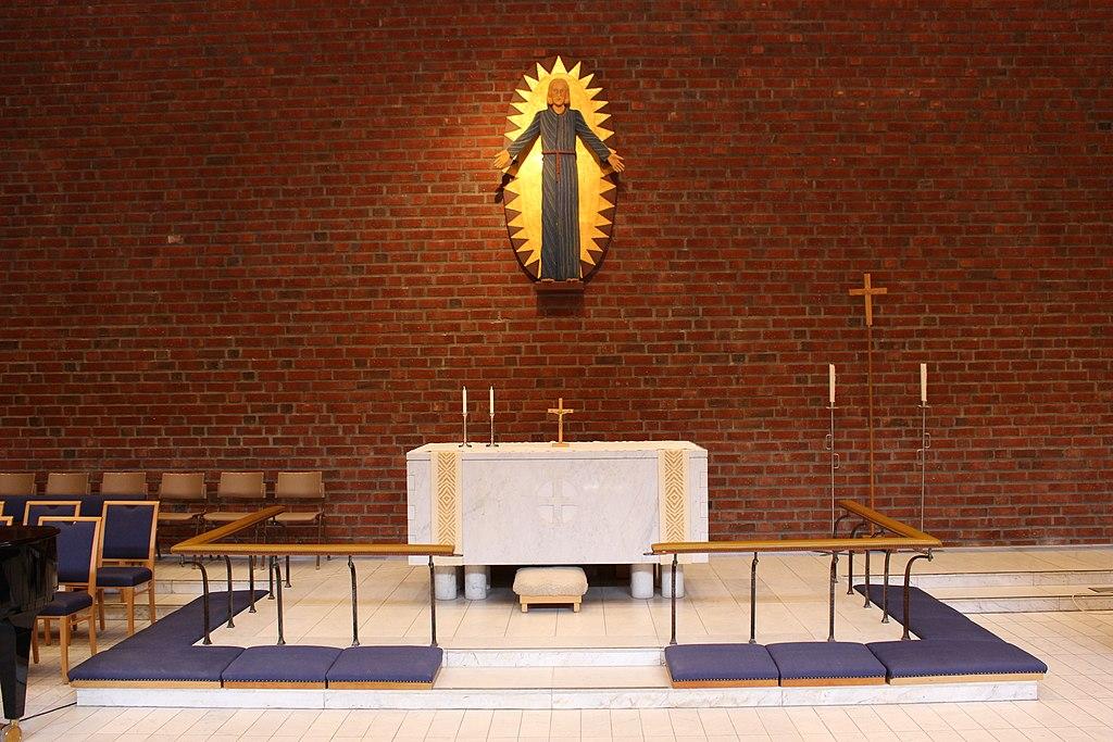 Vilunda kyrka int05.jpg