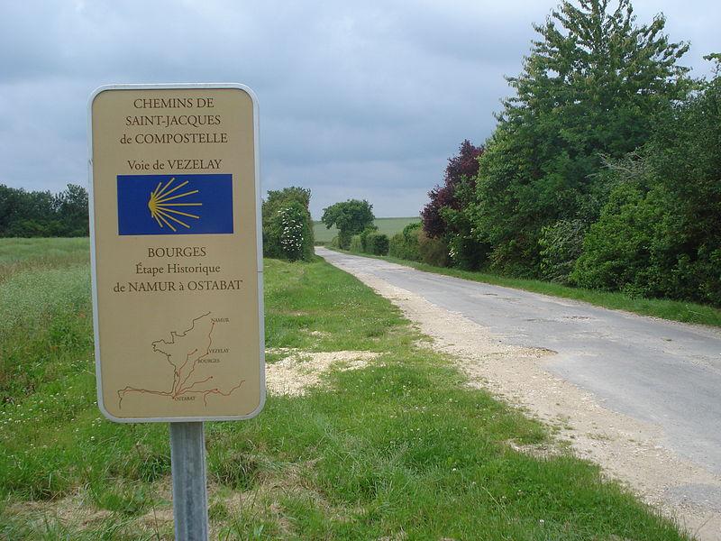 File:Voie de Vezelay, panneau d'information à la sortie de Bourges.JPG