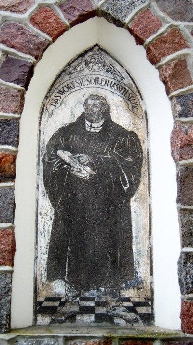 Vokiškas užrašas ant Šilutės evangelikų liuteronų bažnyčios