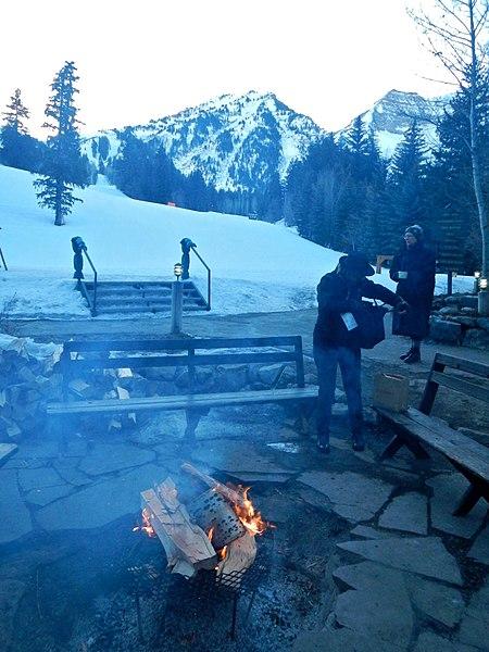 File:Warming Fire (12096854395).jpg